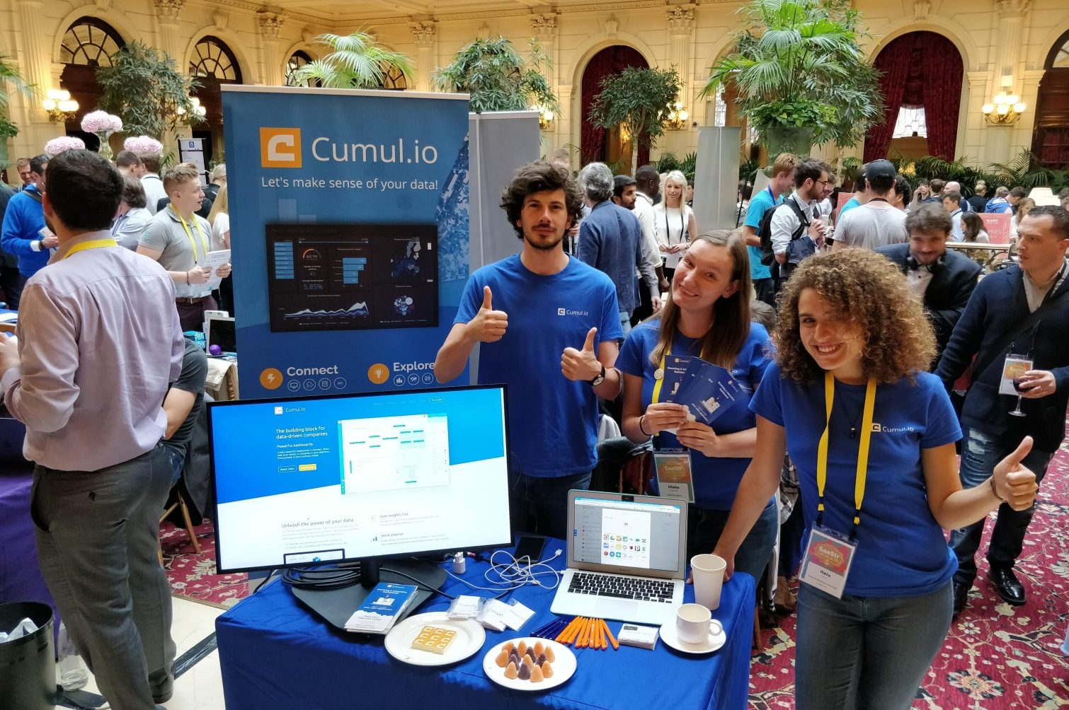 Cumul.io team at SaaStr Europa