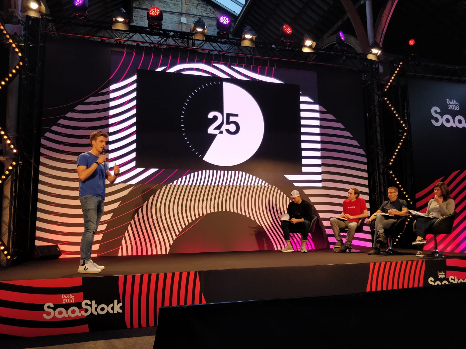 Cumul.io pitching at SaaStock
